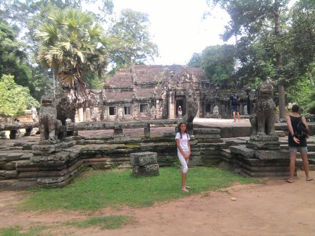 Name:  Preah khan isto?ni ulaz.jpg Views: 219 Size:  64.7 KB