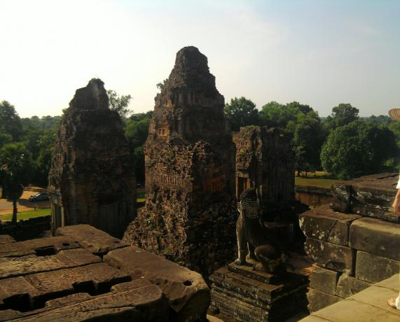 Name:  Banteay Samre sa vrha.jpg Views: 222 Size:  38.0 KB