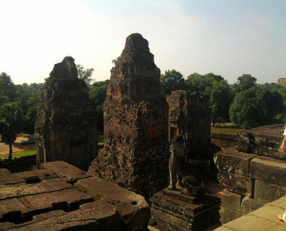 Name:  Banteay Samre sa vrha.jpg Views: 185 Size:  38.0 KB